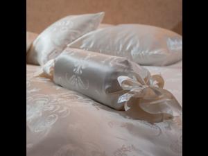 SIENNA Svilena ravna rjuha - Žakard debelejša svila